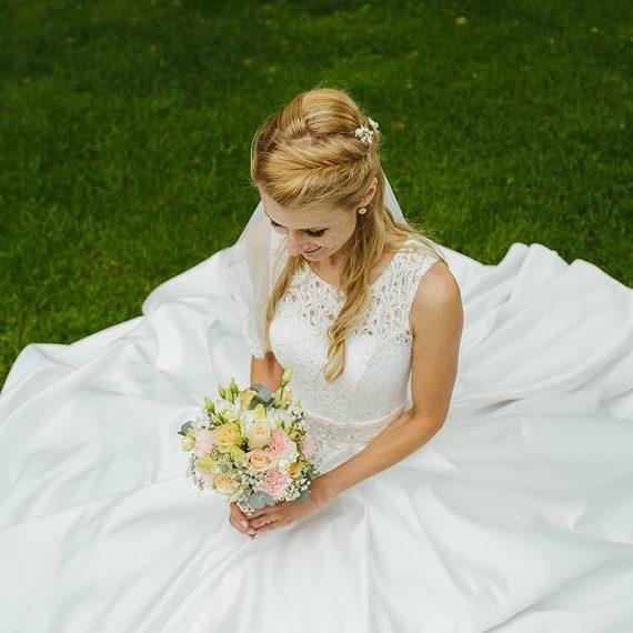 Brautfrisur und Make-Up Siegen