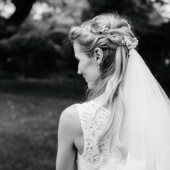 Haare und Make-Up für die Hochzeit