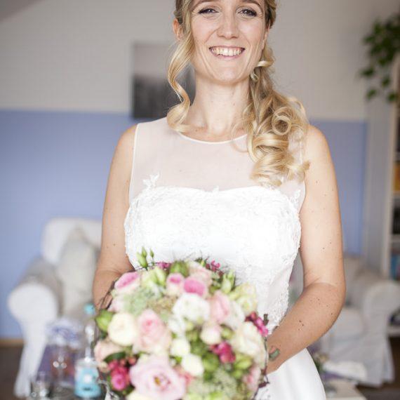 Brautmake-up und Hairstyling