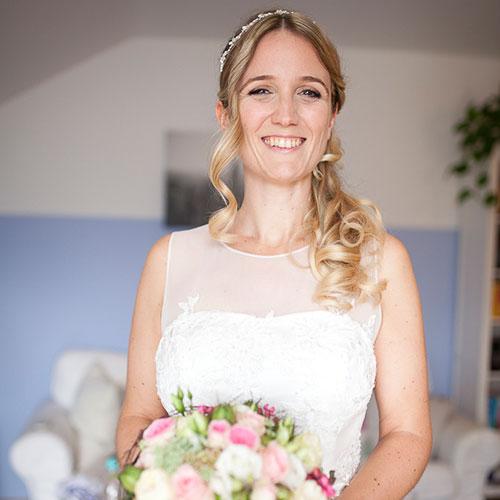 Hochzeitsfotos Siegen - Brautmake-Up und Haare