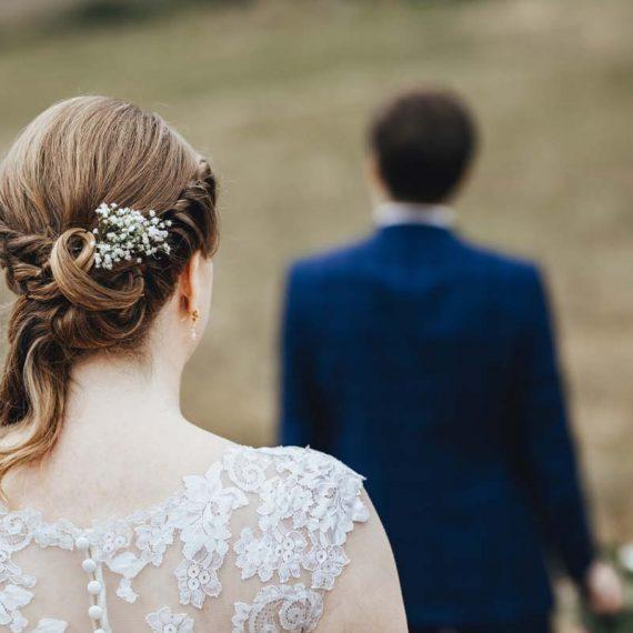 Eine Brautfrisur die den ganzen Tag hält