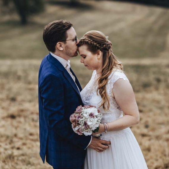 Brautmake-up und Frisur in Netphen